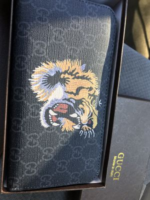 Gucci Wallet (Women's) for Sale in Normal, IL