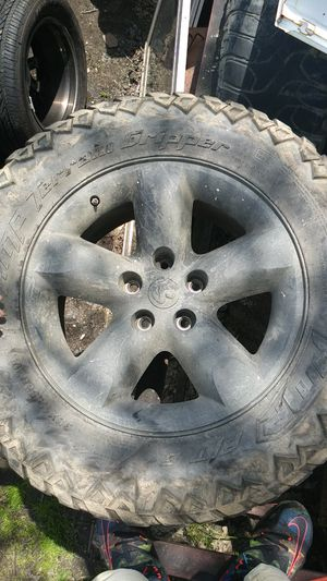 Dodge truck rims and tires for Sale in Obetz, OH