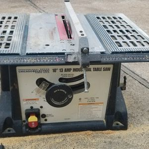 TABLE SAW 10' TRABAJA BIEN!!! for Sale in Houston, TX