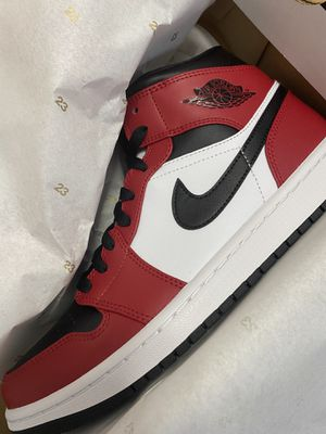 Jordan 1 Mid Chicago DS Sizes 8 & 8.5 for Sale in Miramar, FL