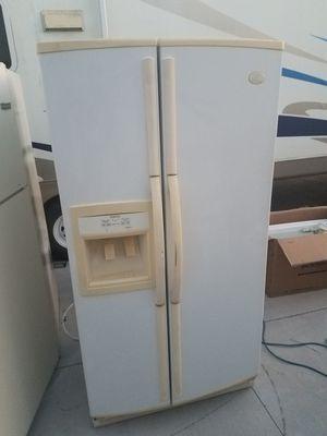 Whirlpool Refrigerator for Sale in Bradenton, FL