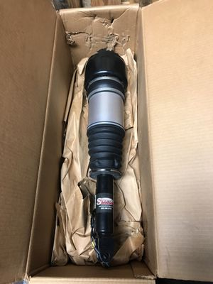 Mercedes cls550 front air strut for Sale in Chicago, IL
