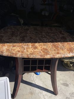 Marble Dining Room Table With 4 Chairs. for Sale in Cleveland,  OH