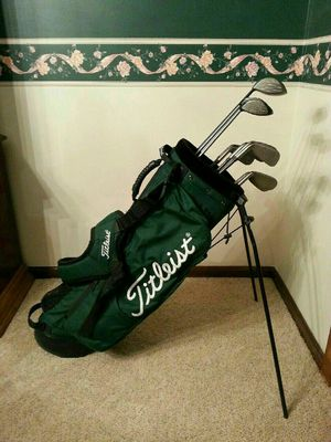 Men's Callaway / Taylormade Golf Club Set + Titleist Golf Bag for Sale in Hamilton Township, NJ