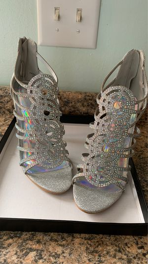 Windsor sparkly size 8 stiletto heels for Sale in Columbus, OH