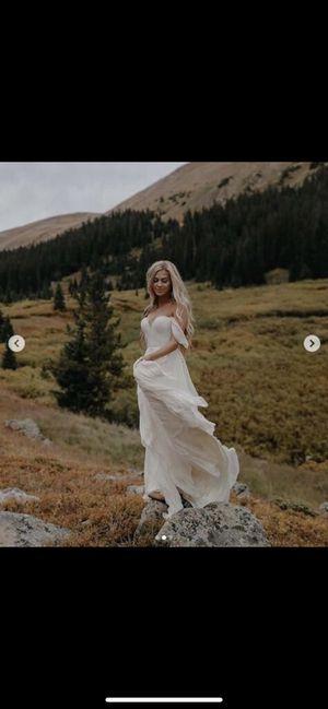 White bohemian wedding dress off shoulder size 12 for Sale in Fullerton, CA