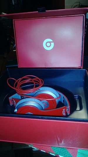 Beats by dre solo 2 headphones for Sale in Memphis, TN