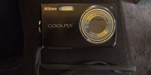 CoolPix Nikon for Sale in Middletown, OH