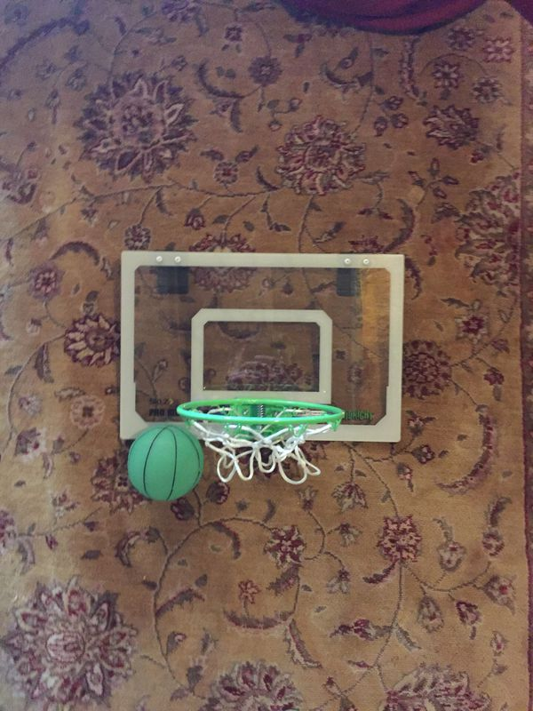 Door basketball hoop