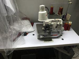 Sewing machine (mero) for Sale in Hialeah, FL