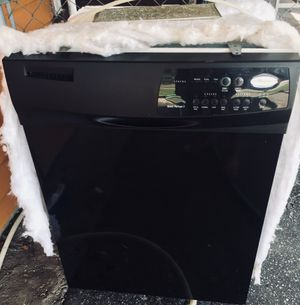 Dishwasher and microwave. for Sale in Jacksonville, FL