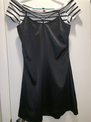 Black and white silk dress for Sale in Houston, TX