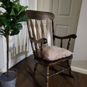 Nice Rocking Chair for Sale in East Windsor, CT