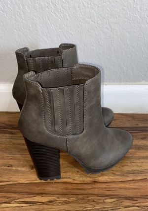 NEW CANDY BOOTS SIZE 7.5 for Sale in Fresno, CA