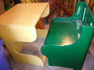 Kids very unique hide away desk chair for Sale in St. Louis, MO