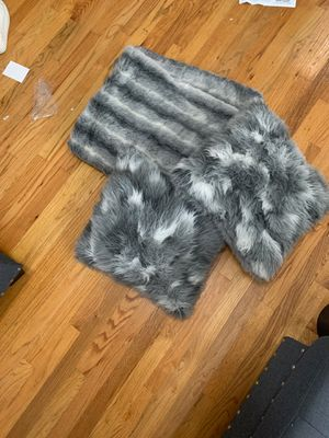 Matching fur pillow and blanket set for Sale in West Palm Beach, FL