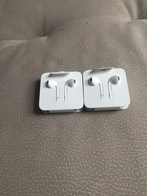iPhone headphones came with the 8 plus for Sale in Lake Worth, FL