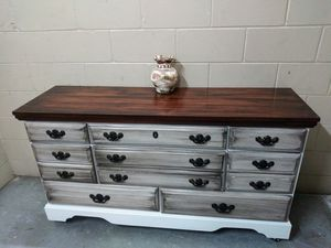 Dresser for Sale in Pinellas Park, FL
