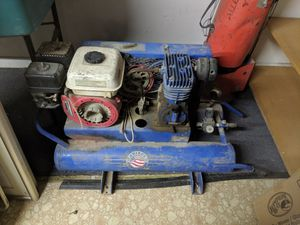 Gas air compressor for Sale in Bakersfield, CA