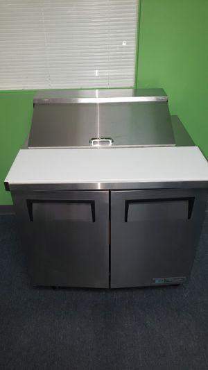 sandwich prep table True RefrigerationTSSU-60-16-HC for Sale in Largo, FL