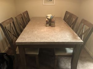 Levin's Marble Dining Room Table and Chairs (6) for Sale in Pittsburgh, PA