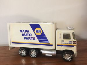 NAPA Auto Parts Box Truck for Sale in Natrona Heights, PA