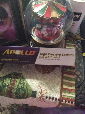 Apollo high pressure sodium 600 watt grow lamp for Sale in Tacoma, WA