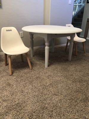 White kids activity table and chairs for Sale in Gilbert, AZ