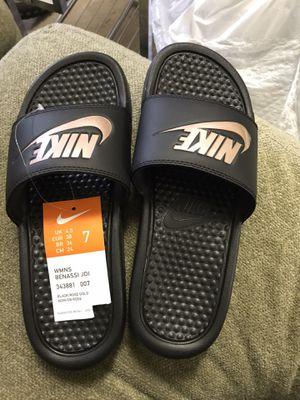 Nike Benassi women's sandal size 8 for Sale in Kent, WA