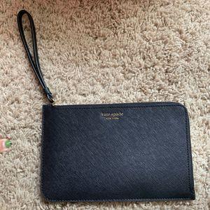Kate Spade Black Wristlet NWT. OBO for Sale in Modesto, CA