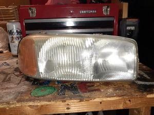 yukon / sierra headlights for Sale in Fontana, CA