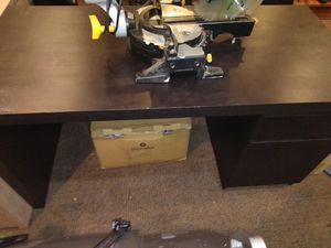 Computer desk black for Sale in Modesto, CA