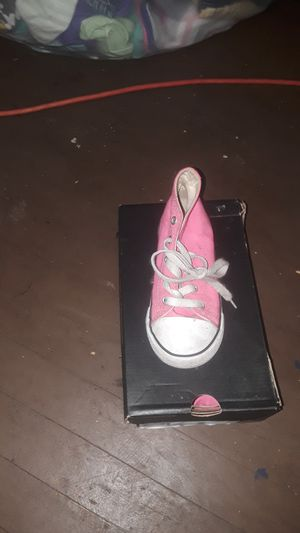 Pink children converse for Sale in East Saint Louis, IL