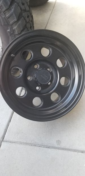 JEEP WHEELS LIKE NEW for Sale in Salinas, CA