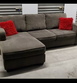 L Shapped Couch for Sale in Chula Vista,  CA
