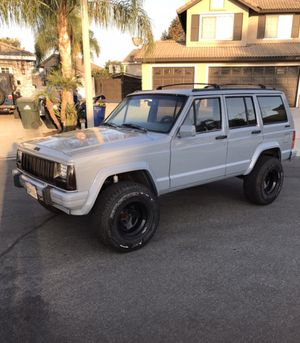 92 Jeep Cherokee XJ 4x4 6 cylinder for Sale in Ontario, CA