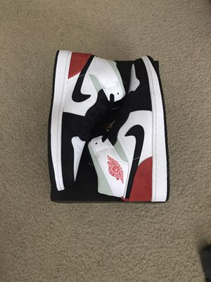 Jordan 1 Mid size 9 for Sale in Seattle, WA