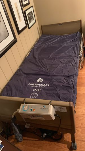 Meridian medical 4500 hospital bed mattress with alternating pressure plus fully electric hospital bed frame. for Sale in Cuyahoga Falls, OH