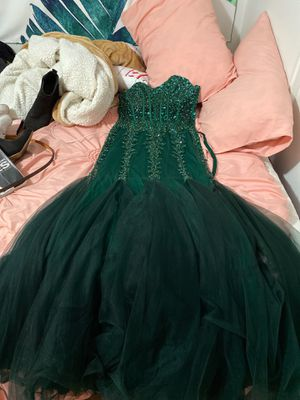 size 6 prom dress for Sale in Palmdale, CA