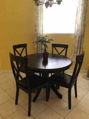 Kitchen Table with chairs for Sale in Pompano Beach, FL