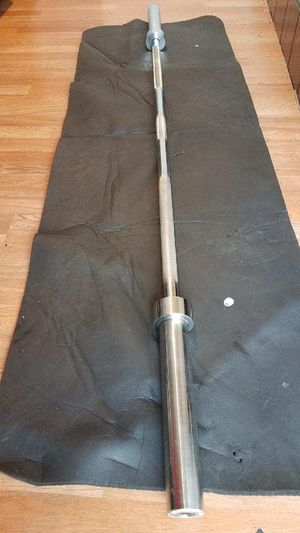 "6ft Olympic barbell 2"" 500lbs capacity for Sale in Montebello, CA"