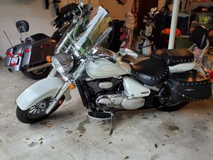 2006 Suzuki Boulevard Motorcycle for Sale in Akron, OH