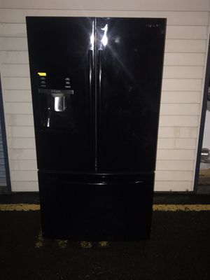 2015 Samsung refrigerator bottom freezer 68T 36W 34D for Sale in Kent, WA