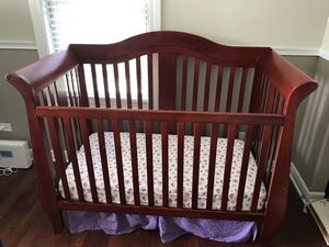 Crib (4x1) and changing table for Sale in La Grange Park, IL