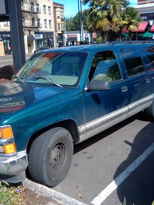 2000 Chevy Suburban Ls for Sale in Portland, OR