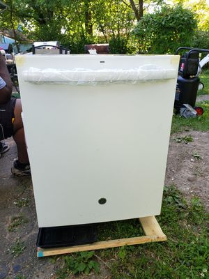 GE 24 inch fully integrated dishwasher for Sale in Indianapolis, IN