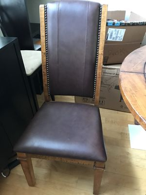 BEAUTIFUL solid wood dining/kitchen table and leather sofa for Sale in Denver, CO