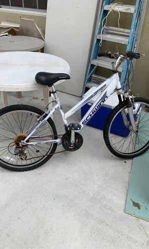 "Schwinn traverse shaped tubing bike 24"" for Sale in Miami, FL"