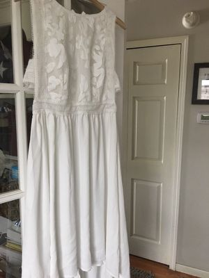 Brand new white hi-low dress for Sale in Traverse City, MI