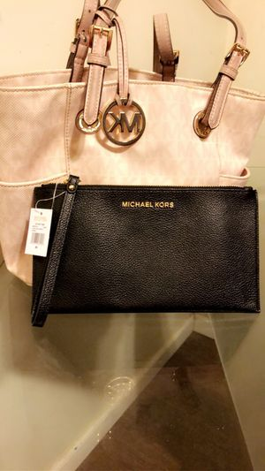 Michael kors purse and wallet for Sale in Fresno, CA